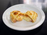 Empanada muzzarella y jamón