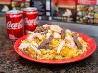 Combo - Arroz al wok mixto + 4 arrolladitos o 2 Coca Cola mini