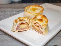 Empanada de Jam�n y Queso