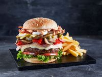 Burger La Mole + Papas fritas