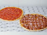 Promoción - Pizza con tres ingredientes (32 cm) + Pizza con tres ingredientes (38 cm)