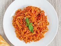Espagueti con Pollo en Salsa Napolitana