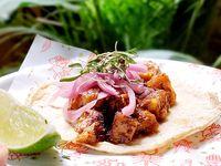 Taco de Chicharrón en Salsa Ranchera