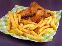 1/4 de pechuga de pollo con papas fritas (250 g)