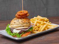 Combo - Hamburguesa clásica + Papas fritas + Bebida a elección