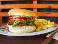 Sándwich de churrasco chacarero + papas fritas