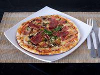 Pizza Gigante + Gaseosa 3 Litros