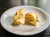 Empanada de cebolla y queso al horno