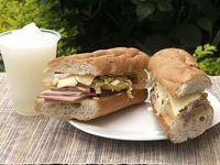 Sandwich Súper Especial Tamaño Normal + Papa + Limonada