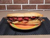 Sandwich Parrillero Tres Carnes