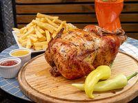 Gran promo familiar. Pollo asado entero,+ papas fritas familiar de 1.2 kilo +1 bebida 1.5 lt linea coca cola