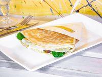 Crepe de Huevo queso espinaca y panceta
