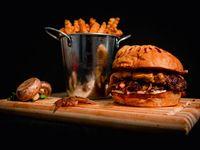 Combo 4 - 4 hamburguesas Smize dobles a elección + papas fritas