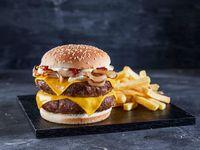 Burger por 2 Cheese por 2 con papas fritas