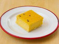 Cuadrado cheesecake de maracuyá