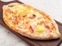 Khachapuri bacon y cheddar con huevo (comen 2)