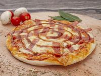Pizza Tocineta y Salsa de Ciruela