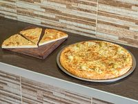 Promo 11 - Pizza muzzarella entera + 3 porciones de fainá