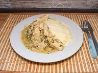 Pollo al verdeo con puré