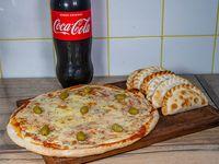 Combo Pizza muzzarella grande 6 empanadas Coca 1.5 L
