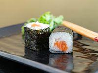 Salmón maki roll (6 unidades)