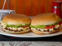 Promo - 2 sándwiches de mechada en pan frica