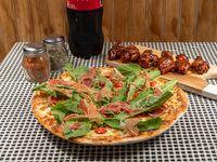 Promo 5 - Pizza mediana especialidad + bebida 1.5 L + alitas BBQ