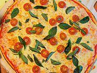 Combo Pizza I I, pizza grande, palitos de ajo, bebida de 1.5 L