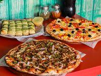 Sugerencia 3 - 2 Pizzas medianas + Bastones de ajo y queso parmesano + Bebida 1.5 L