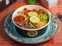 Arma tu wok + salsa a elección + jugo natural 500 ml