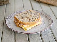 Sándwich de pan de nuez