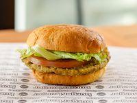 Veggie burger con papas fritas