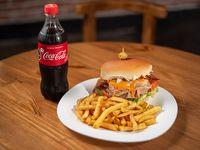 Combo - Hamburguesa mega lala + porción de papas + Coca-Cola 250 ml