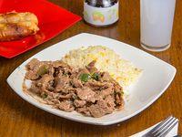 Menú A2 - Carne mongoliana a elección + Acompañamiento  + Wantan frito (5 unidades) + Bebida