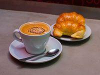 Combo - Café con leche 12 oz + 2 medialunas