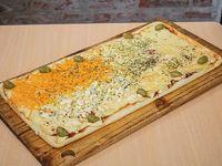 Pizza 4 quesos (12 porciones)