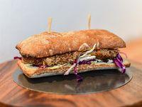 Sándwich de cerdo y salsa bbq