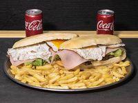 Promo -  2 sándwiches de lomito a elección + papas fritas + 2 Coca Cola de 220 ml
