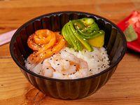 Gohan camarón, kanikama y salmón