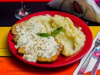 Menú del día - Suprema de pollo a la suiza + Guarnición + Postre