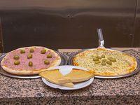 Promo 3 - Pizza muzzarella + pizza con jamón + 2 fainá