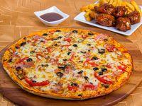 Promoción 7 - Pizza napolitana mediana (32 cm) + Alitas (5 unidades) + Papas fritas + Gaseosa línea Pepsi 1.5 L