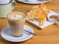 Café cortado 250 ml + 2 medialunas