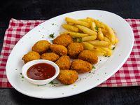 Menú infantil - Nuggets de pollo apanados con papas fritas