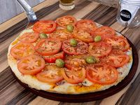 Pizza napolitana con toque honorio grande (8 porciones)