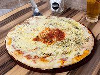 Pizza muzzarella grande (8 porciones)
