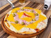 Pizza con cheddar y panceta grande (8 porciones)