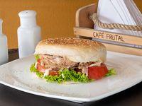 Sándwich Derretido de Pernil