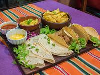 Promo 3 - Mix de tacos + 3 quesadillas + nachos con queso