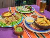 Promo 5 - 2 burritos mixtos + 3 tacos mixtos + nachos con salsa de chile (porción) + arroz + frijoles refritos + guacamole